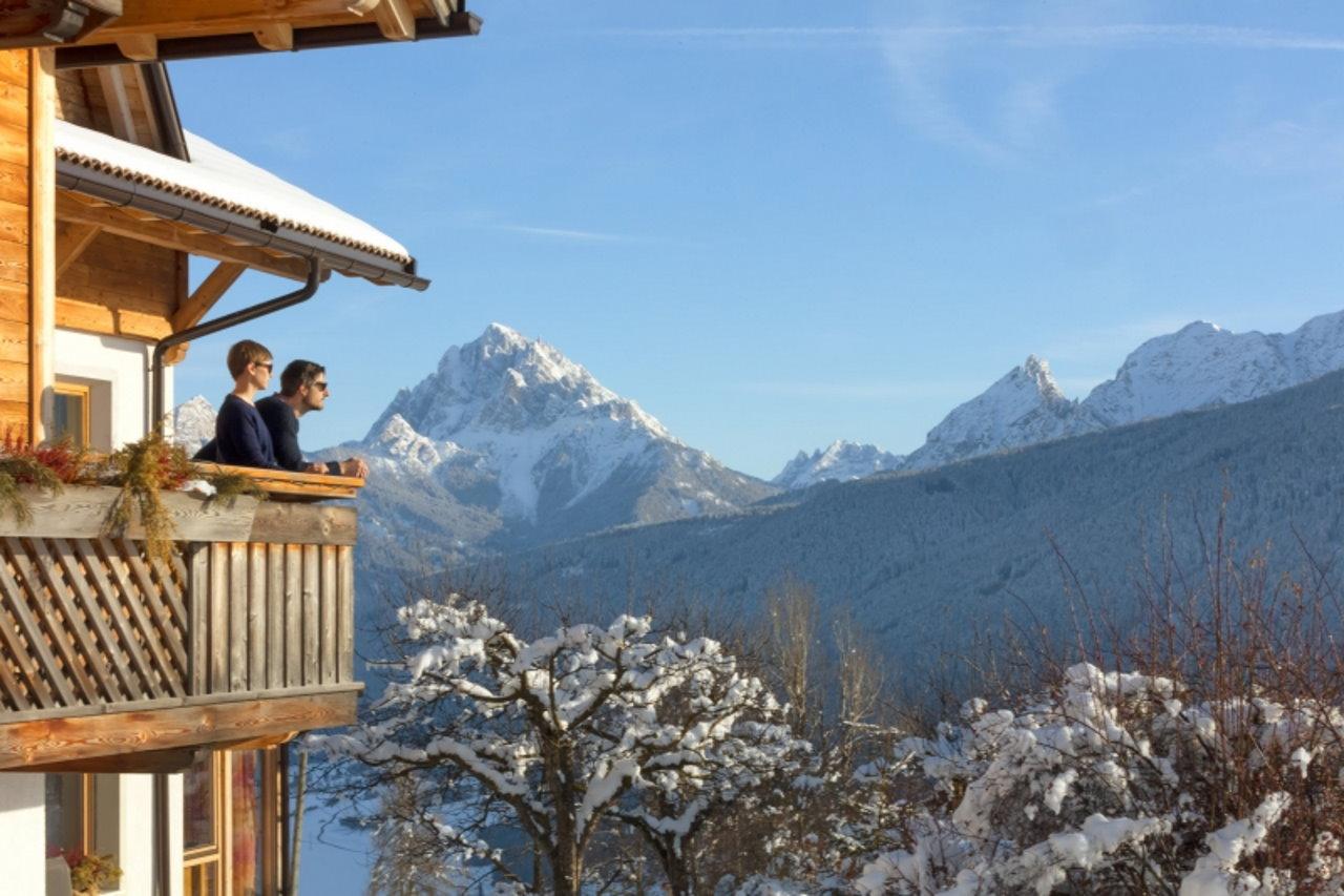 Zimowe atrakcje południowotyrolskich gospodarstw Roter Hahn
