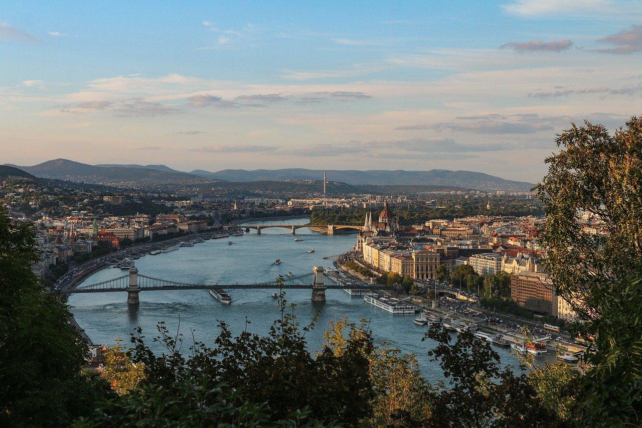 Hotel na miejskim wzgórzu Budapesztu